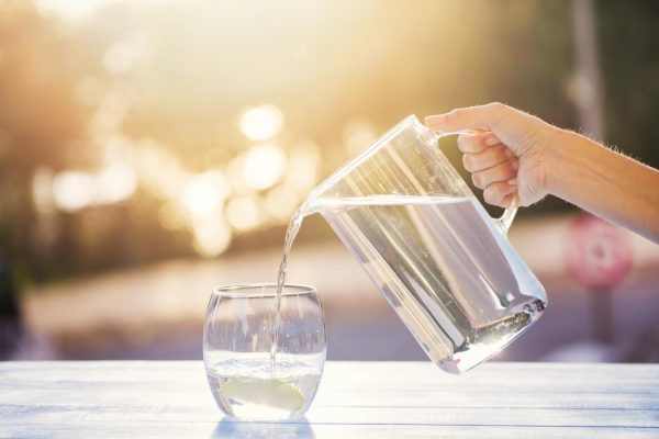 Drink-enough-water-every-day-can-help-you-grow-taller